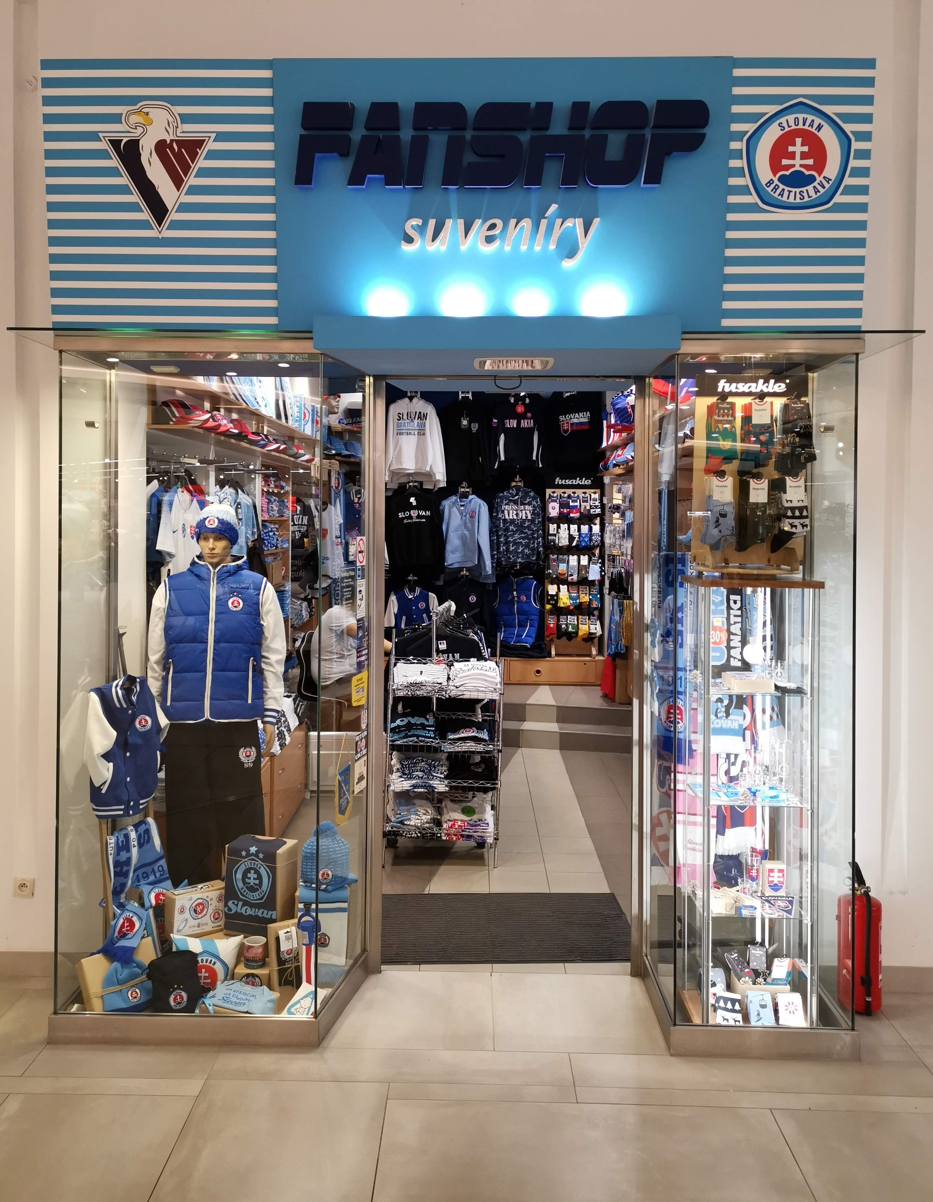 Kamenná predajňa v nákupnom centre Polus City Center na ulici Vajnorská 100  v Bratislave 65d30f8ed9d